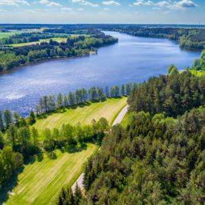 jezioro Sumowo w gminie Bakałarzewo z lotu ptaka, Maciej Nowakowski
